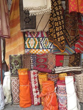 I Habous kan du köpa alla möjliga former av marockanskt hantverk