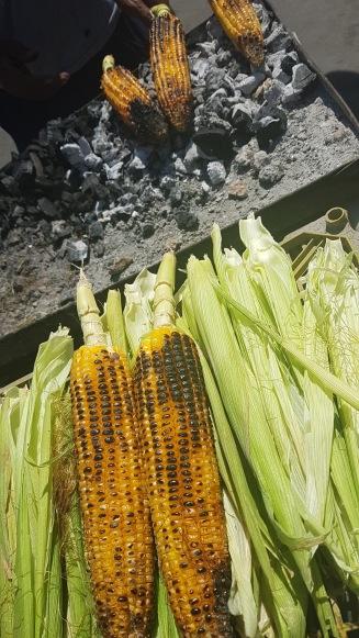 Grillad majs på gång