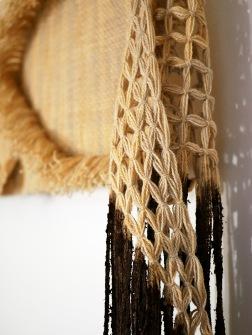 Ida Isak Westerberg - Akrotelm, ett verk med garn färgat i det översta torvlagret i tre olika myrar i Tornedalen och Finland. Ett verk skapat för projektet Exploration into possible futures. 2020. Halvrya, 38 x 90 cm, ull