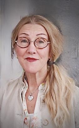 Lotta Engström