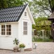 Dellas Garden Bexhill 3 Vit med fönster och svart tak-4, Förråd. Snygga, fina och snyggt förråd från svensktillverkade Della´s Garden. Ett förråd med många tillval, samt lekstugor och snickarglädje.