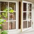 Dellas Garden Bexhill 3 Vit med fönster och svart tak-6, Förråd. Snygga, fina och snyggt förråd från svensktillverkade Della´s Garden. Ett förråd med många tillval, samt lekstugor och snickarglädje.