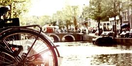 En av Amsterdams 600 000 cyklar.