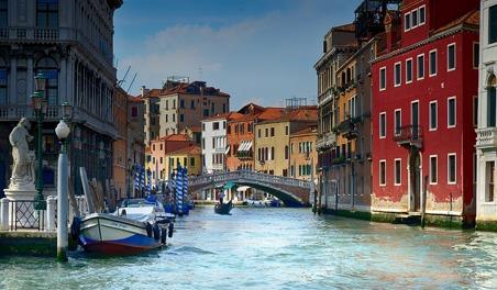 En av Venedigs många kanaler.