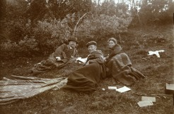 PB with Janrik Bromé and Helga Englund on an excursion to Vattudal 1912.