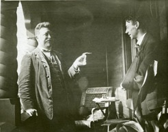 PB with Paul Jonze, the artist who painted the interior of Sommarhagen. Here on the patio 1915. Jonze has broken his arm after he had fallen from a platform where he was painting.