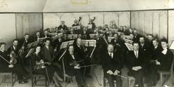 PB directing Östersunds Orkesterförening (philharmonic) 1933. Violinist, Göran Olsson Föllinger.