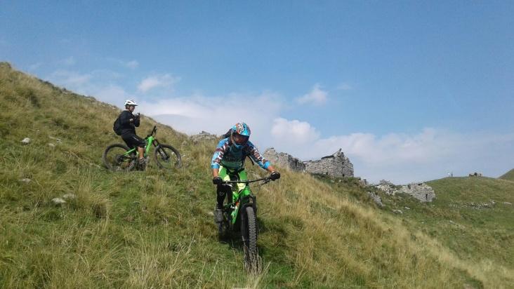Mountainbike tur med utsikt