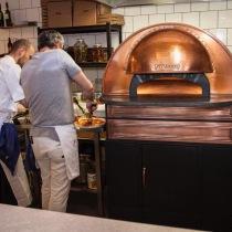 Scugnizzonapolitana, Professionell Napolitansk pizzaugn