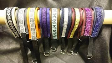 Skinnhalsband i flera färger och olika band från 160:-