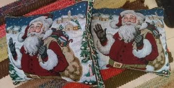 Kuddar med julmotiv 200:-