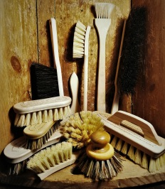 Gotländska Handbundna Borstar städ