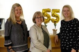 Fr.v. Susanne Hellman Holmström, klubbens ordförande Ulrika Stefansson och Linda Johansson