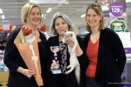 Klubbmästare 2018 Nordiksnow Aurora, bruntabbymaskad balines. Ägare Anna Landell. Här tillsammans med domarna Sirpa Lindelöf och Malin Sundqvist.