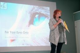 Eva Porat presenterar nästa föreläsare ...