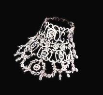The  stolen diamond necklace mission 1.