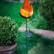 Solcellslampa flamma