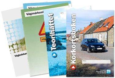 Bilden föreställer de teoriböcker du stöter på när du tar ditt körkort
