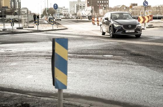 Plötsligt en dag slår man upp ögonen och förstår vad alla märkliga skyltar i trafiken betyder.