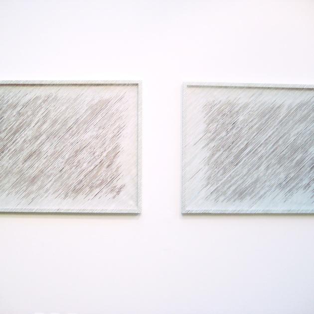 Regn (diptyk) shiborifärgade mullbärspapperstrådar på skärmar 90x350 cm (foto: Eva Logell, Vita Havet, Konstfack)
