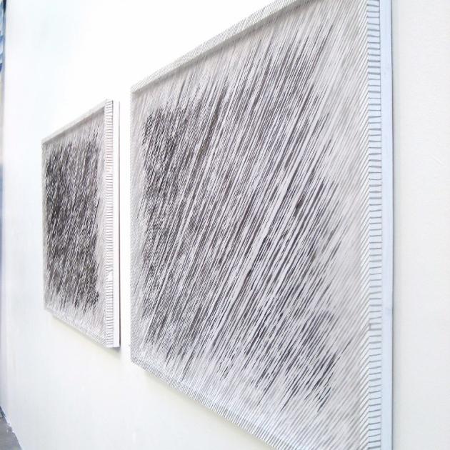 Regn (diptyk) shiborifärgade mullbärspapperstrådar i skärmar 90x350 cm, (foto Eva Logell, Vita havet konstfack)