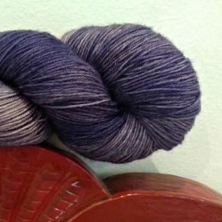 Opal 3 trådigt Handfärgat - Ametist - Februari Månadssten