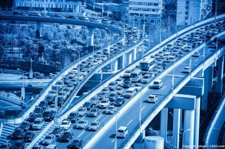 Trafiken är en stor miljöbov. Med EasyServ kan felsökning oftast göras online på dator istället. Både miljön vinner på detta, men också onödigt tidsåtgång för resor