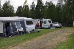 Deltagarna har börjat flytta in på Geråbadets camping