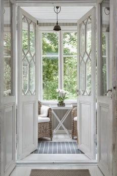 nya eller renoverade dörrar