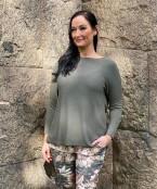 Anita, stickad tröja m båthals, army