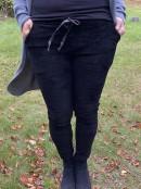 FILIPPA Stretchig byxa med manchesterrand, svart