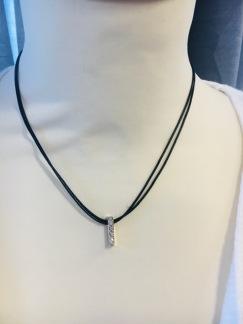 Halsband, kort -