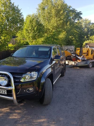 Kvibille stubbfräsning utför stubbfräsning, trädfällning, beskärning, grönyteskötsel och trädgårdsarbete i Halmstad, Falkenberg och Halland..