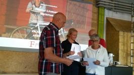 Ulf Wahlfridsson m.fl. får info om olika uppgifter