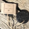 SVART TÅNGTVÅL | Black seaweed soap - Svart tångtvål, doft: tall.