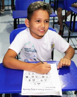 Lucas drøm er å bli fotballspiller eller lærer.      Foto: Casa da Noruega