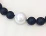Halsband onyx med pärlemorkula