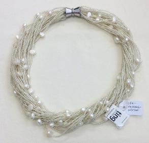 Halsband med sötvattenspärlor - Halsband med sötvattenspärlor
