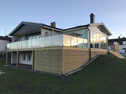 Takläggning av hus i Huskvarna