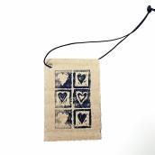 Present/ Tag, Hjärtan Svarta