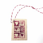 Present/ Tag, Hjärtan Röda