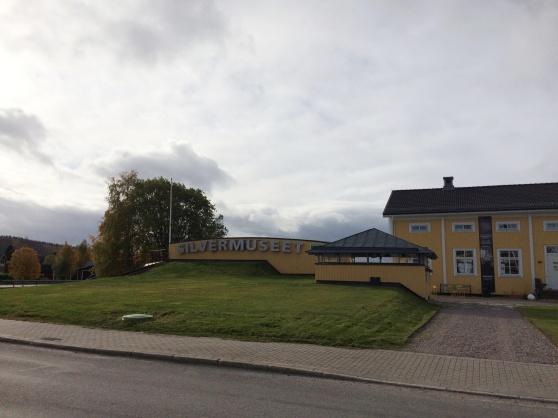 Silvermuseet, grundat 1965 av Einar Wallquist som också var chef där fram till sin död. Samlingen av samiskt silver och konsthantverk som han skänkte till Arjeplog är den största  i världen