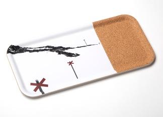 Bricka med EKO-kork Fjällmotiv ledkryss - 1 st Bricka 32x15cm med EKO-kork