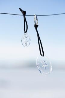Nyckelringar & Hängen - Nyckelring & hänge transparent plexi svart snöre