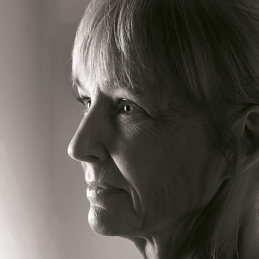 Carola Hansson, författare