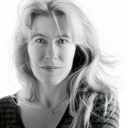 Therése Söderlind, författare