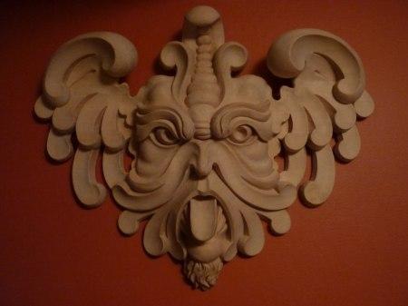 Bildhuggeri - träskuren maskaron efter egen förlaga