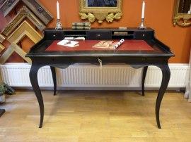Skrivbord rokoko. Nytillverkat efter antik förlaga