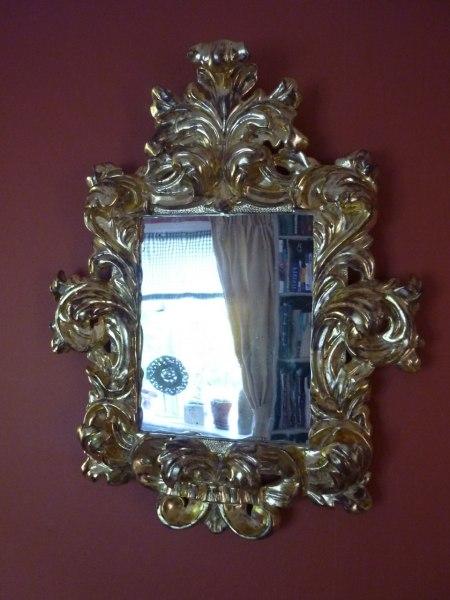 Spegel, förgylld i bladguld och patinerad