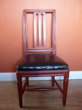 Nytillverkad sengustaviansk matsalsstol, efter förlaga.